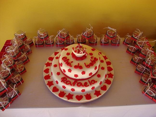 Mini cupcakes de chocolate com recheio de brigadeiro
