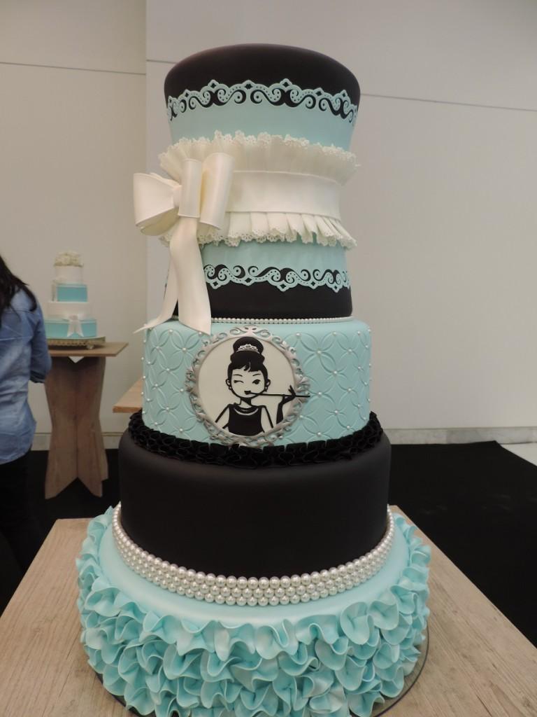bolo azul e preto