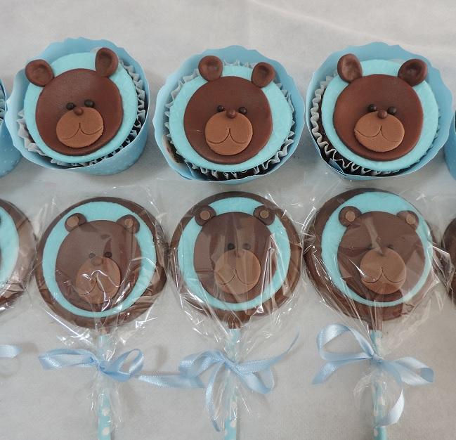 pirulitos e cupcakes de ursinho